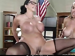 Office assistant shows her kingpin her flexibility 27