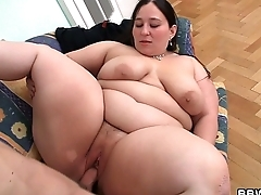 Deep pussy therapy for big viscera plumper