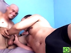 Oscar gets a blowjob from Maximo he wont soon forget