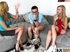 Blowjob Lesson From Grown-up Stepmom - Julia Ann, Alexa Grace
