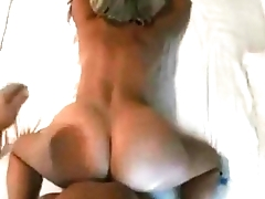 FUCKING MY BEST South African private limited company MOM DOGGYSTYLE(CELL PHONE FOOTAGE) - JXNXXS.COM